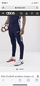Mens Nike Tracksuit Medium