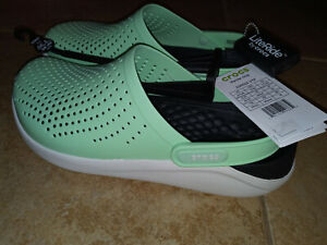 NEW Womens Crocs LiteRide Clog Shoes, size 9      (also mens size 7)