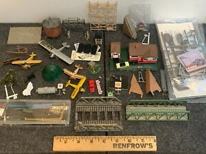 N Scale Accessories: Airplanes, Bridges, Fences, Hay Stack, Scaffolding, House