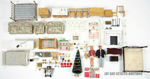 LOT OF 105 VINTAGE DOLLHOUSE FURNITURE PARTS BEDS SOFA CHAIRS FIREPLACE CRIB ETC