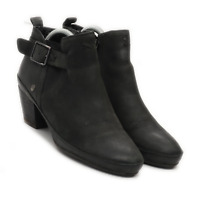 Preworn Womens UK Size 5 Black Leather Ankle Boots