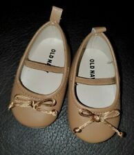 NEW Old Navy baby girl tan crib shoes 3-6months