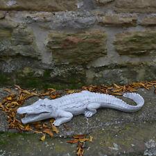 Große massive Steinfigur Krokodil Gartendeko Raumdeko aus Steinguss frostfest