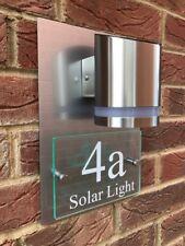 Segno di casa moderna PLACCA Numero Porta Strada in vetro effetto alluminio Solar Premium