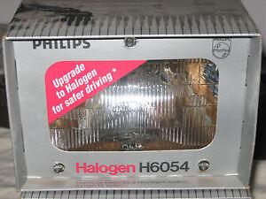 2 Philips Halogen Head Lights H6054 / Car / Parts / Lighting
