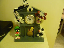 Extremely Rare! Looney Tunes Marvin The Martian & Others Table Clock Fig Statue