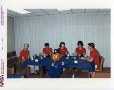 STS-34 & STS-43 / Orig NASA 8x10 Press Photos - Astronaut Crews at Breakfast