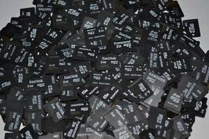 Lot of 100 Mixed Brand 2GB Micro SD Memory Cards