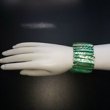 MOTHER OF PEARL SHELL BRACELET GREEN STRETCHY