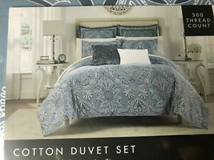 Tahari Home Queen/FULL DUVET SET PAISLEY BLUES & WHITE NEW IN PACKAGE