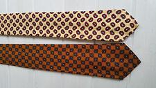 Deux cravates RETRO en soie  2 Silk Ties   Christies Savile Row  London