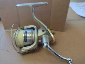 SHIMANO SUSTAIN 2500FD USED SPINNING REEL WORKS JUST DOESNT LOOK GREAT