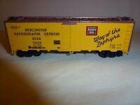 Vintage Athearn 40' Burlington Refrigeration Express Reefer Model Train Car HO