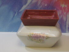 MED SQUARE WHITE WITH ROSE ACSENTS FLOWERS AFRICAN VIOLET CERAMIC POT/PLANTER