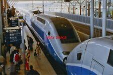 PHOTO  A DOUBLE-DECK TGV DUPLEX HAS JUST ARRIVED FROM PARIS AT AIX-EN-PROVENCE G