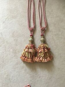 Immaculate 2 x large Ornate Red And Gold Curtain Tiebacks Rrp £40 Each!