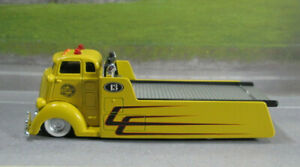 C.O.E. FLATBED HAULER/WRECKER with FUNCTIONING BED  NEAR MINT LOOSE S SCALE