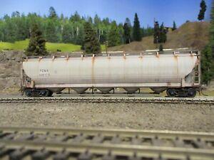 Ho weathered freight cars custom covered hopper Atlas master trinity model train