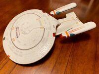 WORKS! Playmates Star trek the Next generation USS Enterprise 1701- D 1992 !!