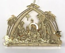 A8 2004 Danbury Mint Annual Gold Ornament Away In A Manger Nativity Christmas