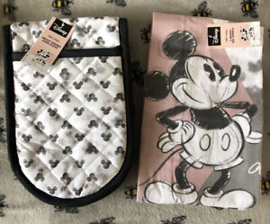 Disney Mickey Mouse Oven Gloves & 3 Tea Towels Gift Set Kitchen Decor Pink Grey
