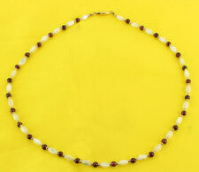 """VINTAGE MOTHER OF PEARL & 4MM GARNET ROUND BEAD PRETTY NECKLACE 1970'S 16"""""""