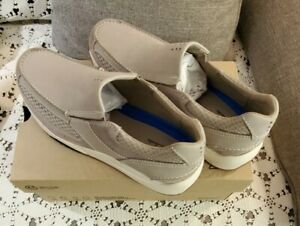 Men's Clarks 10.5 M 44 Langton Easy Slip-On Stone Nubuck Pierre New Gray Shoes