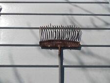 Aluminum or Vinyl Siding House Home Hooks Hangers Clips No-Hole Hook Pack of 2