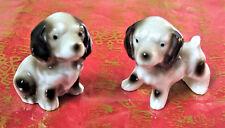2 miniatures anciennes en porcelaine vernie chiots chiens blancs et gris 2 dogs