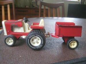 Vintage Tonka Red Tractor with Trailer, DMR250820