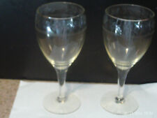 Set Of 2 Glass Wine Cut with Leaf and Fruit Glasses Elegant Champagne
