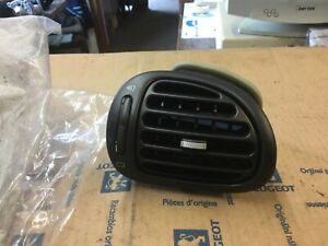 Peugeot 206  Left dash air vent  dashboard In lion grey  8264S6  9632184877