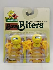 Vintage 1997 Sesame Street BIG BIRD Bow Biters Lock Your Laces in Place NIP