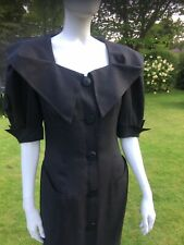 Vintage 1980s Guy Laroche Paris Boutique Black Structural Fitted Linen Dress
