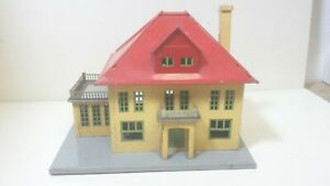 Lionel Railroad Yellow House with Red Roof with Light  O Scale - Used