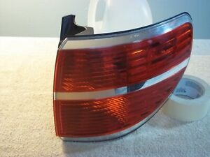 2007-2010 Outlook Right (Passenger's) Tail Light Lamp Outer Quarter Mounted