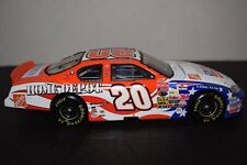 Action Tony Stewart #20 Home Depot/ Independence Day 2003 Monte Carlo 1:24 scale