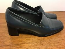 Rockport Navy loafer pumps leather womens size 6W great condition