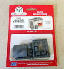 New Wills Scenic OO Gauge Lamp Huts and Oil Drums SS22