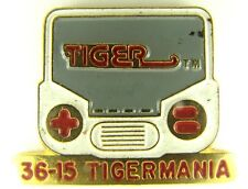 TIGER LCD GAMING 1990s PIN BADGE! TV FILM VIDEO NINTENDO DISNEY STAR WARS TREK