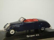 Peugeot 402 - Norev 1:43 in Box *43170