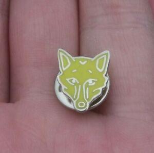 LEICESTER CITY SMALL YELLOW FOX HEAD PIN BADGE VGC