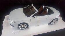 Audi TT Roadster Glacier White 1:18 Minichamps new and boxed