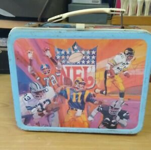 VINTAGE LUNCH BOX TIN NFL WITH THERMOS   177-S