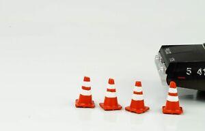 Highway Police Polizei Absperrung 4 Zapfen Figur Figuren 1:24 American Diorama
