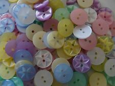 140 ASSORTED COLOURS STAR BUTTONS CRAFT Size 26 (17mm)