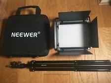 Neewer 2 piezas Bi-color 660 LED Luz de vídeo y Kit de soporte.