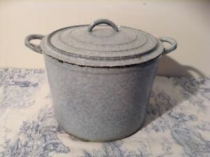 Vintage French Enamelled Cast Iron Casserole / Stock Pot with Lid - Blue (3190)