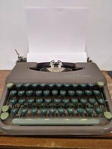 Vintage Smith Corona Skyriter Portable Typewriter with Metal Case