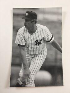 Catfish Hunter (1986) New York Yankees Vintage Baseball Postcard NYY
